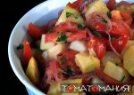 Салат с картофелем и томатами, сыром