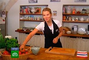 Яичница-болтунья с помидорами от Юлии Высоцкой